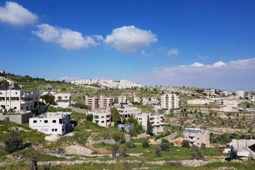 Belén, y en el fondo, el asentamiento israelí Har Homa
