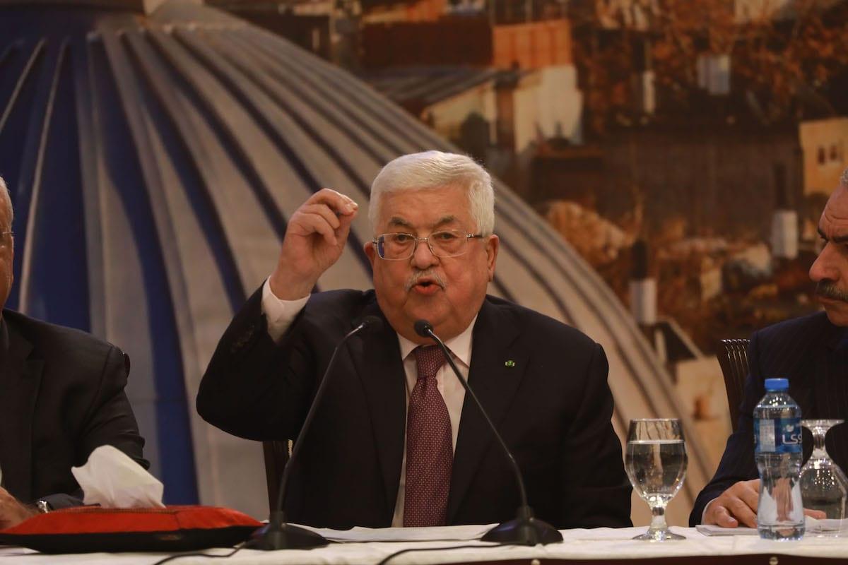El presidente palestino, Mahmoud Abbas, celebra una conferencia de prensa sobre el llamado plan de paz de Trump en Ramallah, Cisjordania, el 28 de enero de 2020 [Issam Rimawi / Agencia Anadolu]