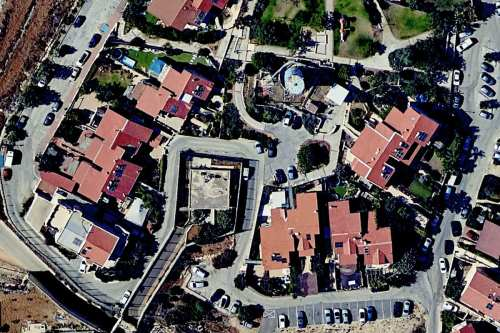 Los asentamientos israelíes convierten una casa palestina en una jaula