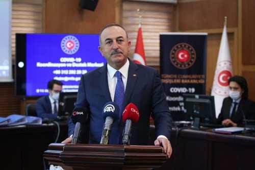 """Ministro turco: """" El virus está desapareciendo, los turistas quieren…"""