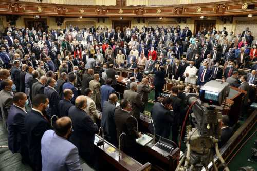 Los egipcios rechazan la decisión de Sisi de enviar tropas…