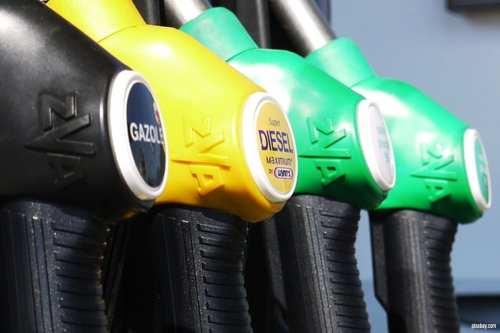 Saudíes enfadados por el aumento de los precios del petróleo…
