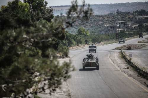 Idlib: Militantes sirios atacan a una patrulla conjunta de Rusia…