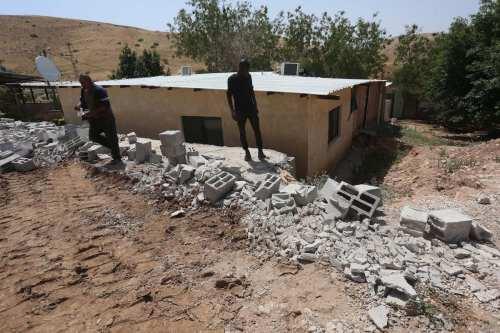 Informe: Israel demolió 313 hogares palestinos en la Ribera Occidental…