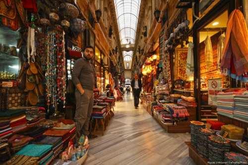 Arabia Saudita obliga a los empresarios a poner fin a…