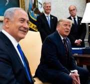 El presidente de los Estados Unidos Donald Trump y el primer ministro de Israel Benjamin Netanyahu (I) en la Casa Blanca en Washington el 15 de septiembre de 2020 [Doug Mills/Pool/Getty Images]