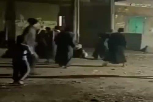 Las fuerzas egipcias disparan a los manifestantes en el pueblo…