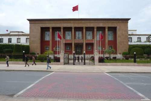 Marruecos: 2.000 firmas contra el aumento del número de parlamentarios