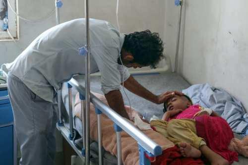 Yemen: Una clínica para el cáncer es atacada con armamento…