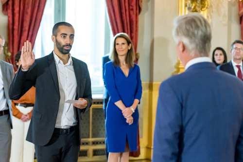 El hijo de un refugiado iraquí asume el cargo de…
