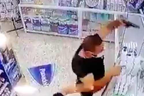 Líbano: Un hombre apunta a un farmacéutico por un analgésico