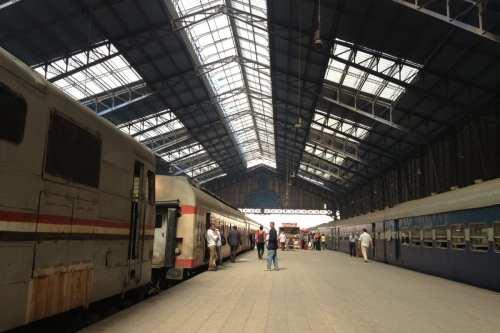 Egipto construirá una línea de ferrocarril hasta Bengasi en Libia