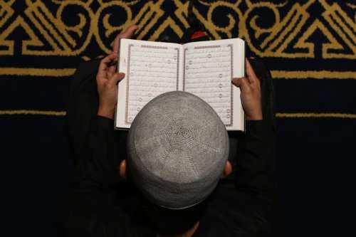 Un profesor universitario egipcio es suspendido por 'insultar al Corán'