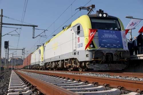 El ferrocarril entre Irán y Turquía aspira a alcanzar un…