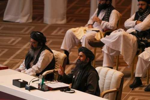 La delegación talibán llega a Irán para negociar la paz…