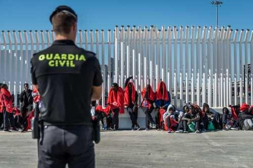 Rabat denuncia la brutalidad policial española contra los menores marroquíes