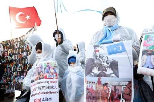 Estados Unidos presiona a China sobre los derechos de los…