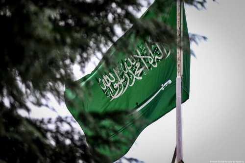 El jefe de la inteligencia saudí en el exilio niega…