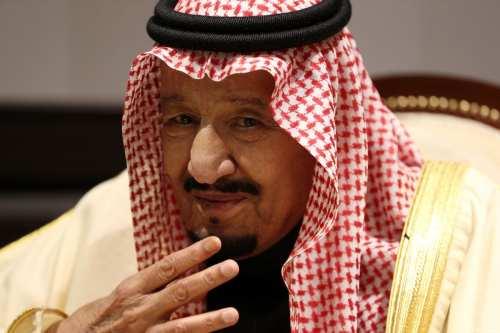 El rey saudí destituye al jefe de asuntos especiales