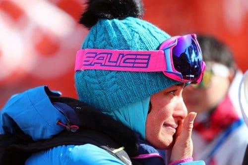 El marido de una entrenadora de esquí iraní le prohibe…