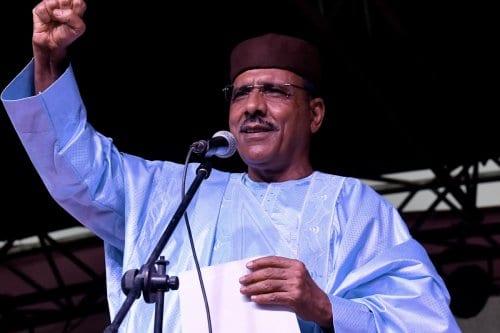 Níger elige a su primer presidente árabe