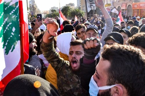 Líbano: Los manifestantes son acusados de delitos de terrorismo