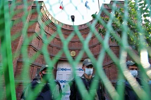 Irán acusa de espionaje y propaganda al turista francés detenido…