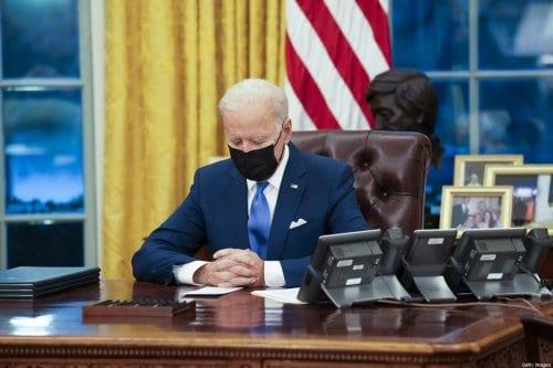 Esperando las declaraciones de Biden del lunes sobre los saudíes;…