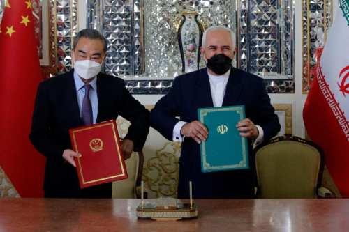 Irán y China firman un acuerdo de cooperación de 25…