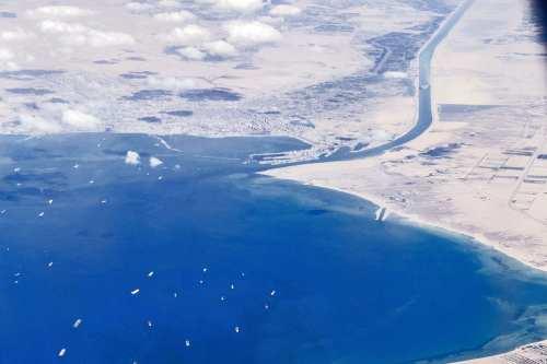 Irán propone una línea marítima alternativa al Canal de Suez