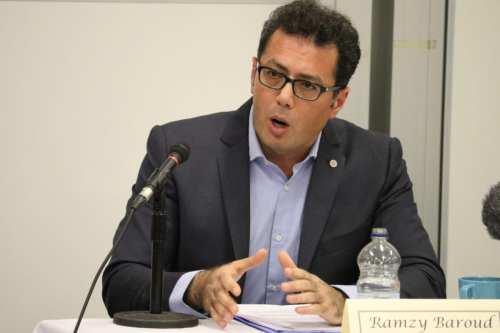 Ramzy Baroud: Israel agrede a los medios de comunicación porque…