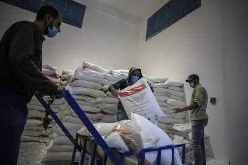 Kuwait envía 40 toneladas de ayuda a Gaza