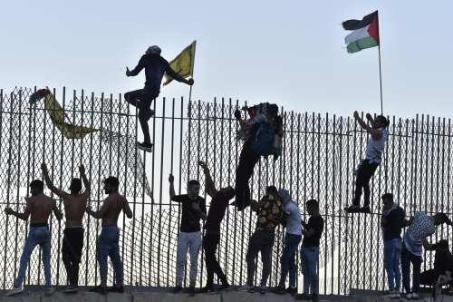 Israel hiere a 5 libaneses en la frontera entre Líbano…