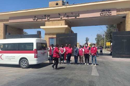 Egipto autoriza por primera vez la entrada de ayuda médica…