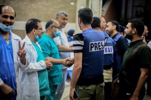 """El personal sanitario denuncia la """"deshumanización deliberada"""" de los palestinos…"""