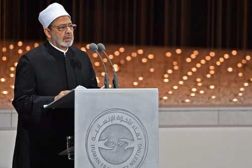 Egipto: El imán de Al-Azhar denuncia el silencio del mundo…