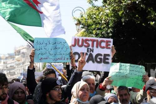Argelia: El ejército promete neutralidad en las próximas elecciones legislativas