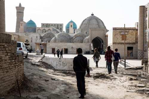 Uzbekistán hace volver a cientos de estudiantes de Egipto y…