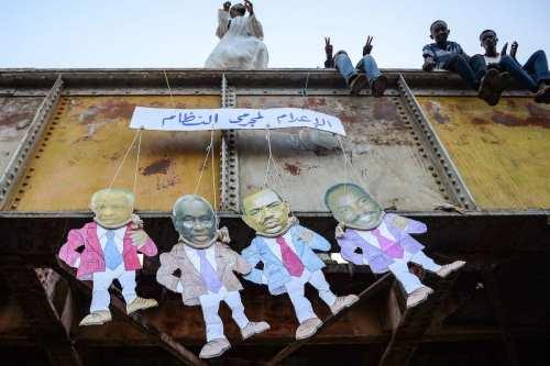 El fiscal de la CPI pide a Sudán que entregue…