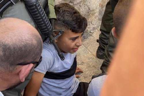 La policía israelí atropella a un niño en Jerusalén por…