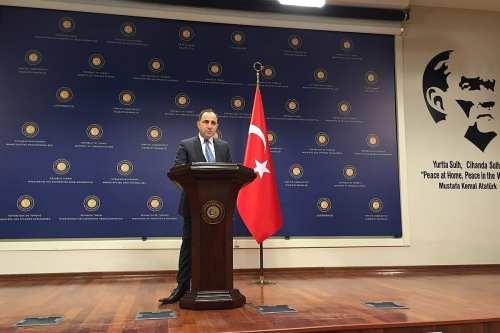 Turquía denuncia la reunión de Macron con miembros de un…