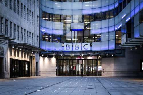 La BBC despide a una periodista palestina por un tuit…