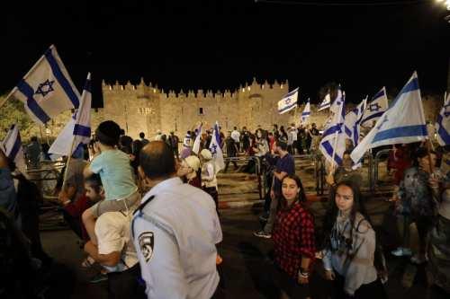 Más de 1.300 colonos judíos asaltan la mezquita de Al-Aqsa