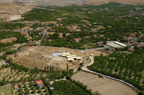 Turquía: Un túmulo de 8.000 años de antigüedad es incluido…
