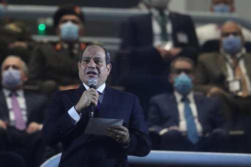 Los egipcios autorizan a Sisi a resolver la cuestión de…