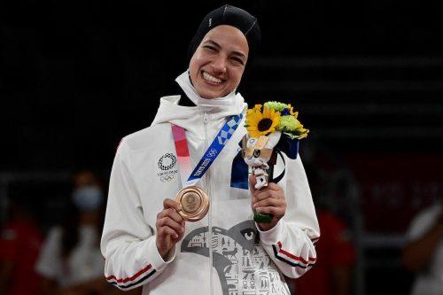 La egipcia Hedaya Malak gana la primera medalla olímpica de…