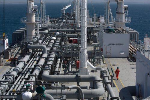 Israel congela un importante acuerdo petrolífero con los Emiratos Árabes