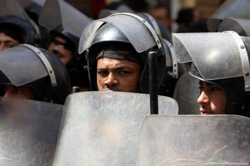 """Amnistía pide a Egipto que investigue las """"ejecuciones extrajudiciales"""" vistas…"""