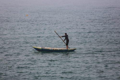 Israel dispara a pescadores palestinos a 3 millas de las…
