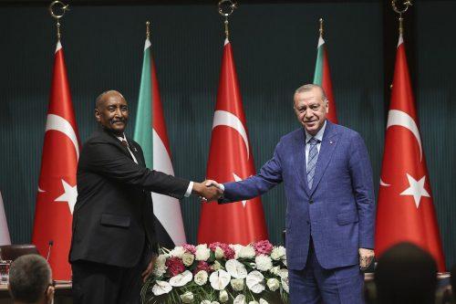 Turquía y Sudán fijan un objetivo comercial de 2.000 millones…